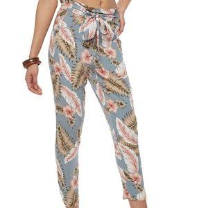 Tie Front Printed Crop Pants